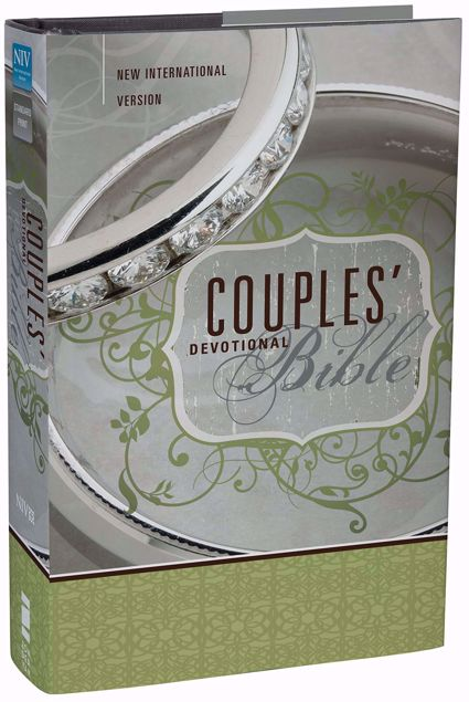Picture of NIV-COUPLES' DEVOTIONAL BIBLE Hard Cover